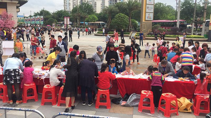 兴进广场三月三亲子活动让家长和孩子体验壮乡民俗文化的魅力