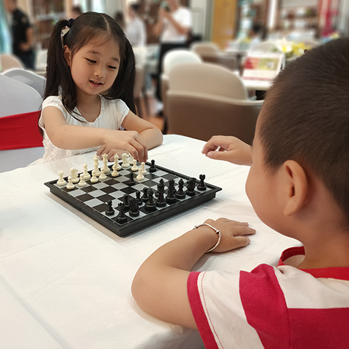 活动回顾 小棋盘,大世界,从桂林国际象棋中感受逻辑思维的乐趣