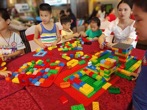 【活动回顾】桂林宝宝网携手乐高教育中心,快乐时光在伴山云庐暑期课堂